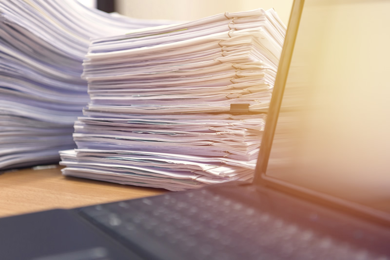 迫りくるペーパーレス化の波!紙での書類管理のメリットとデメリット