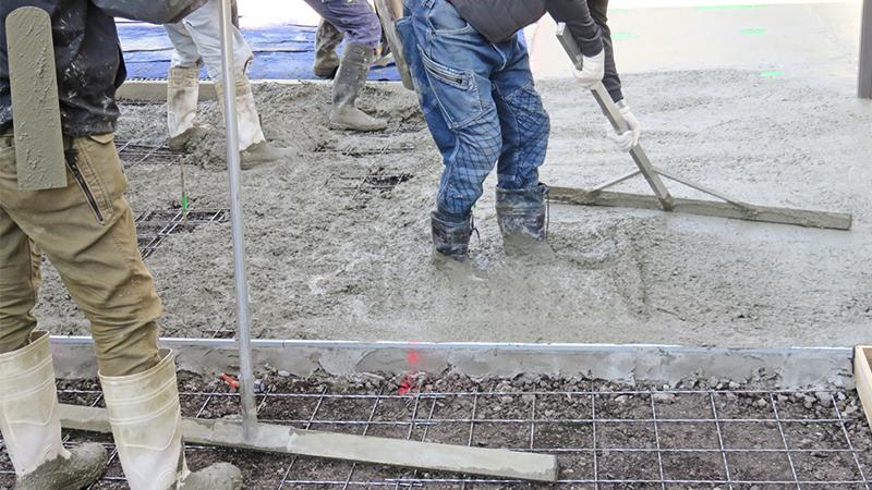 建設業の「残業(時間外労働)の上限規制」は2024年4月から。何から取り組めばいいの?